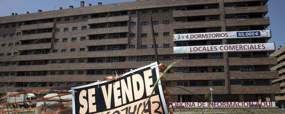 Bancos y fondos buitre pasan de pagar deliberadamente las cuotas de sus pisos