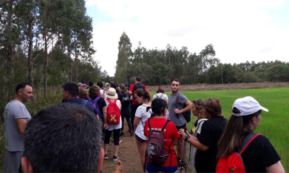 Protesta vecinal contra los parques eólicos en la cascada de Castriz