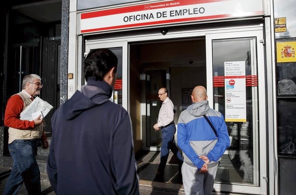 La letra pequeña de la EPA desacredita la euforia electoral de Rajoy