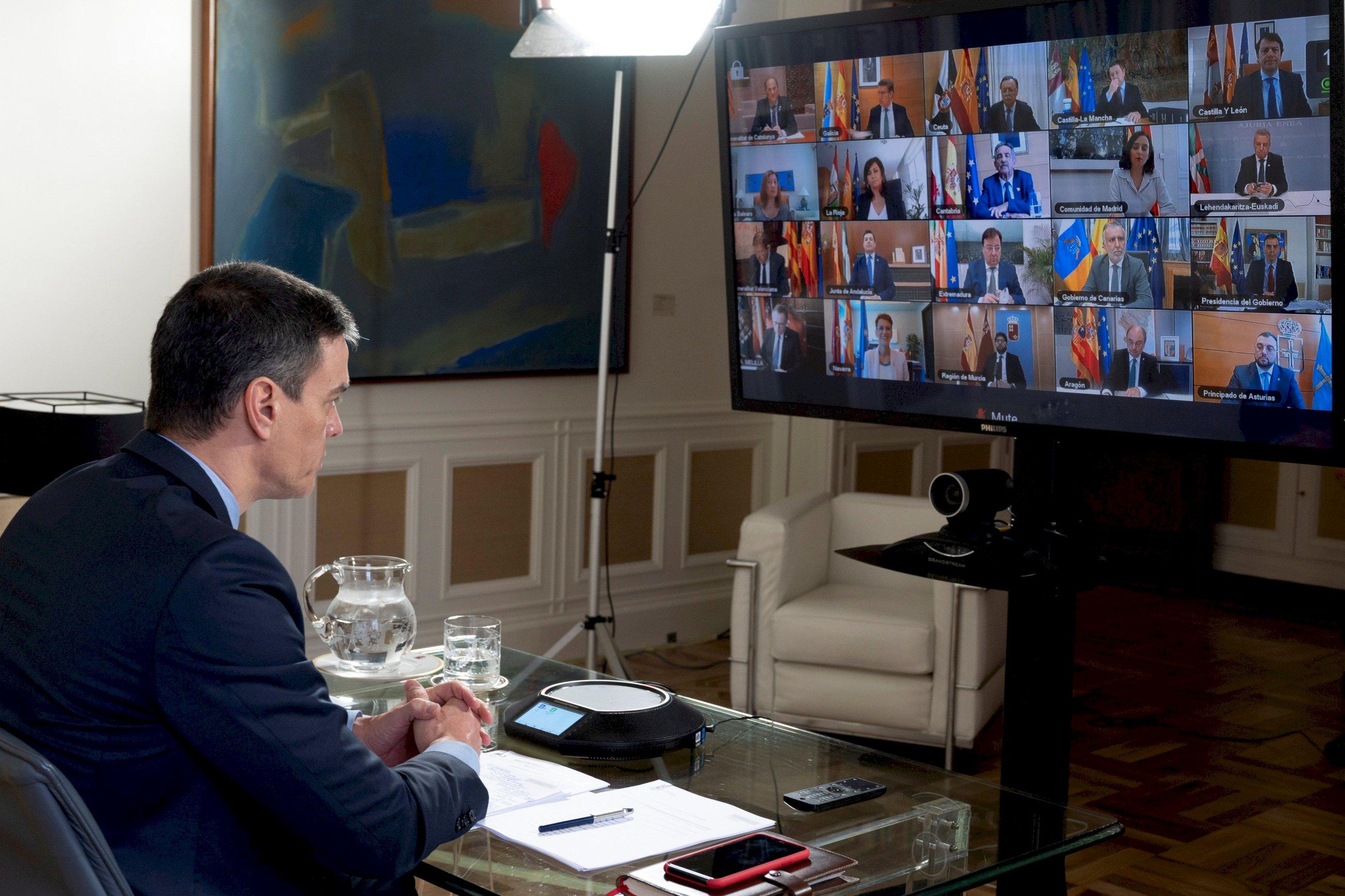 Asalto al botín de la UE: los barones del PSOE desbordan a Sánchez