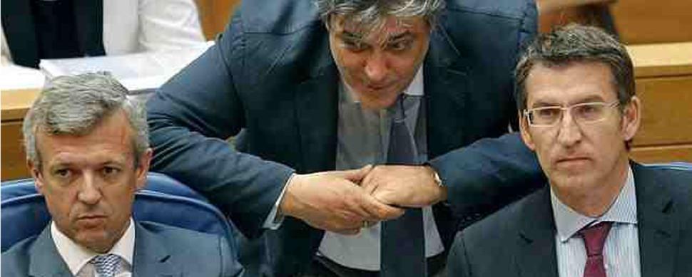 Feijóo 'pasa' de la austeridad tras el 24M: anuncia cheques de 50 euros para 70.000 alumnos