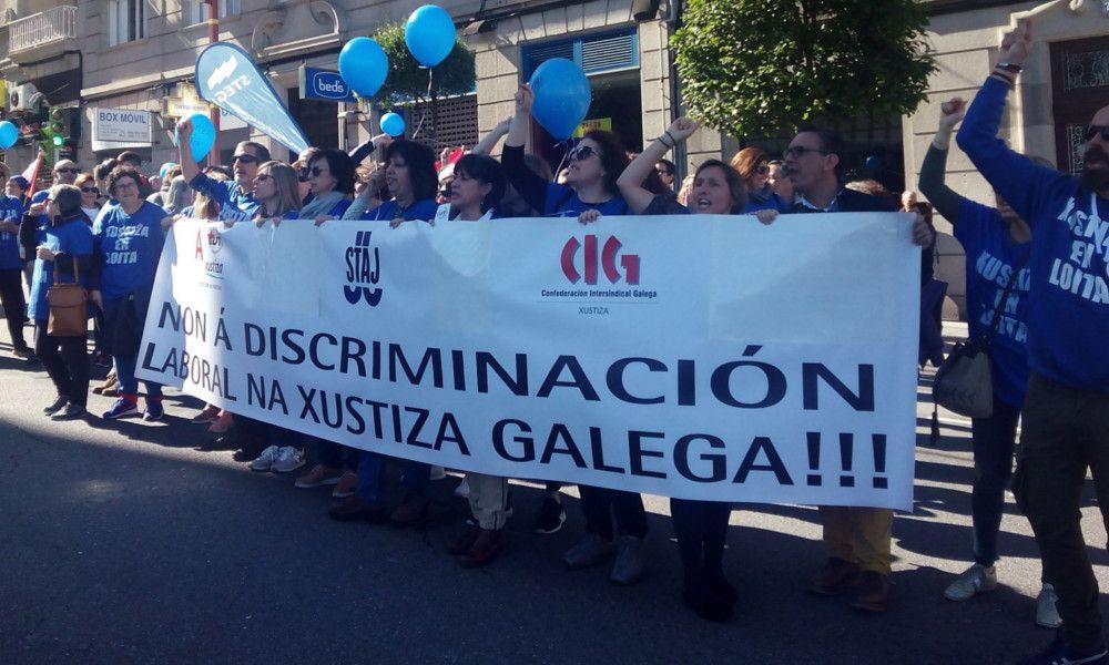 """""""¡Vendidos, traidores!"""". Guerra entre sindicatos por la huelga de Justicia"""