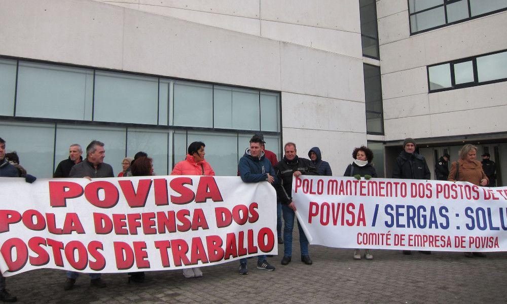 A la Xunta le crecen los líos: la plantilla quiere que absorba Povisa