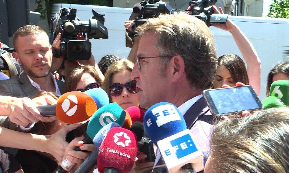 Feijóo alecciona a Pablo Casado con el centro político