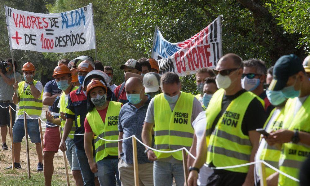Los trabajadores piden a Alcoa frenar los despidos seis semanas