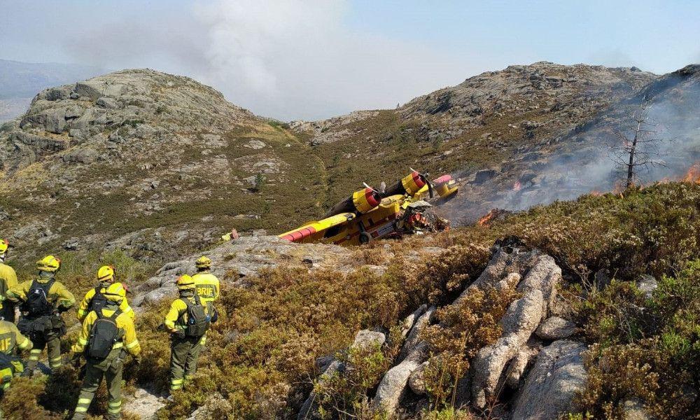 Muere un tripulante al estrellarse un hidroavión en Ourense