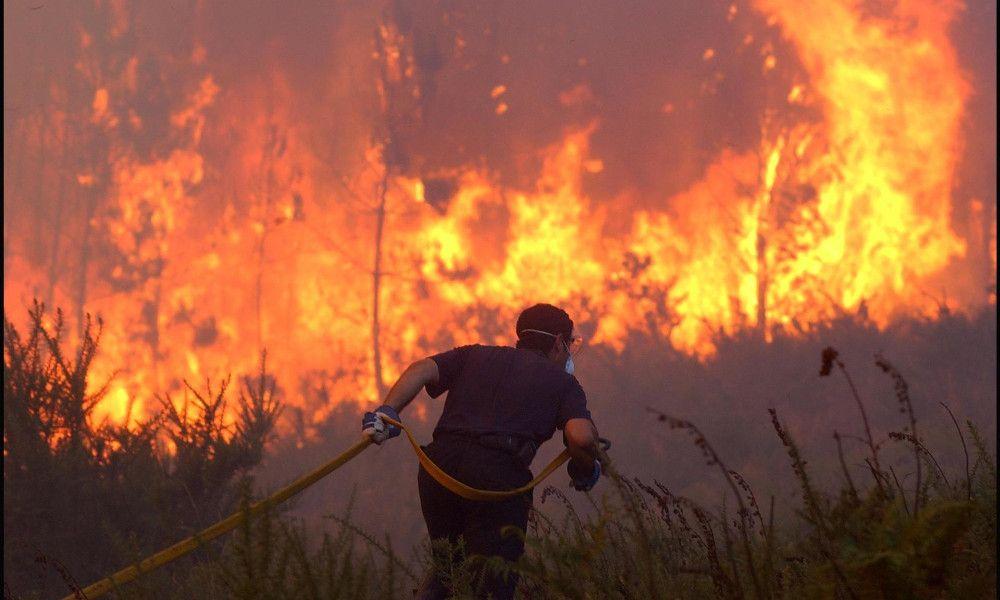 Nueve incendios fuera de control calcinan más de 2.000 hectáreas
