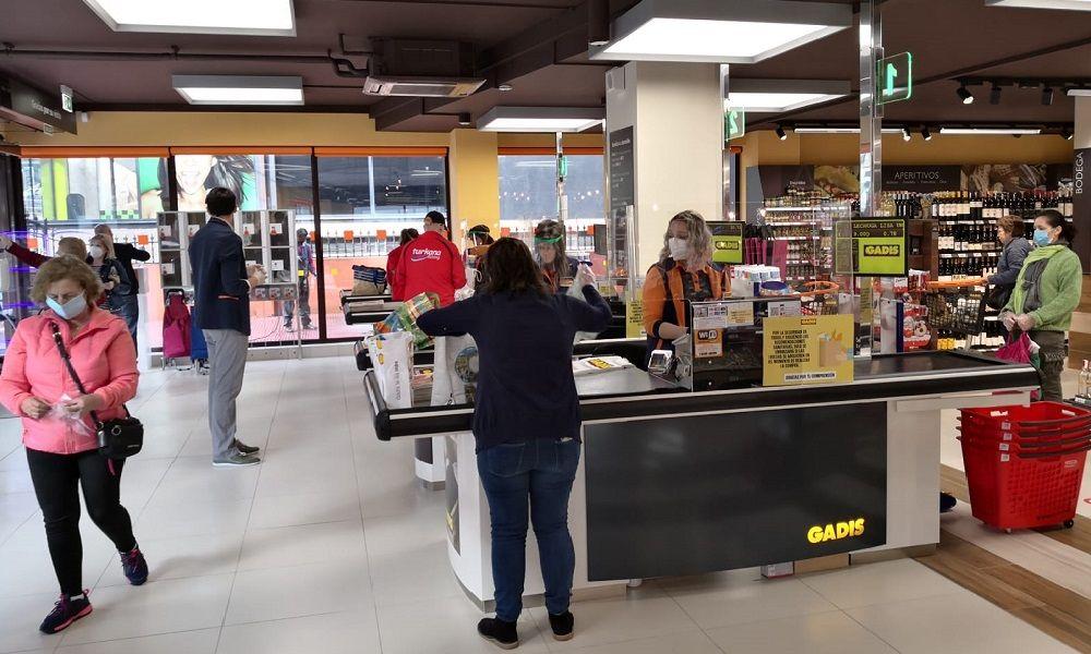 Sin miedo al Covid-19: Gadis abre súper en Santiago con 28 empleos