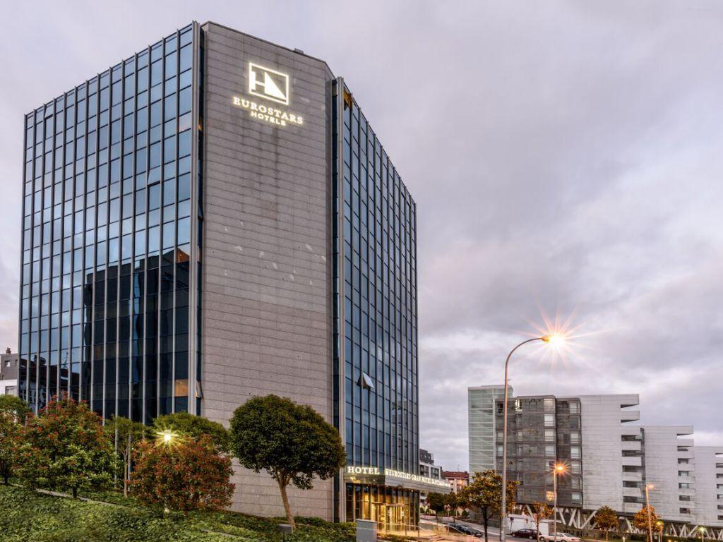 Naturgy dará electricidad gratis a tres hoteles de Amancio López