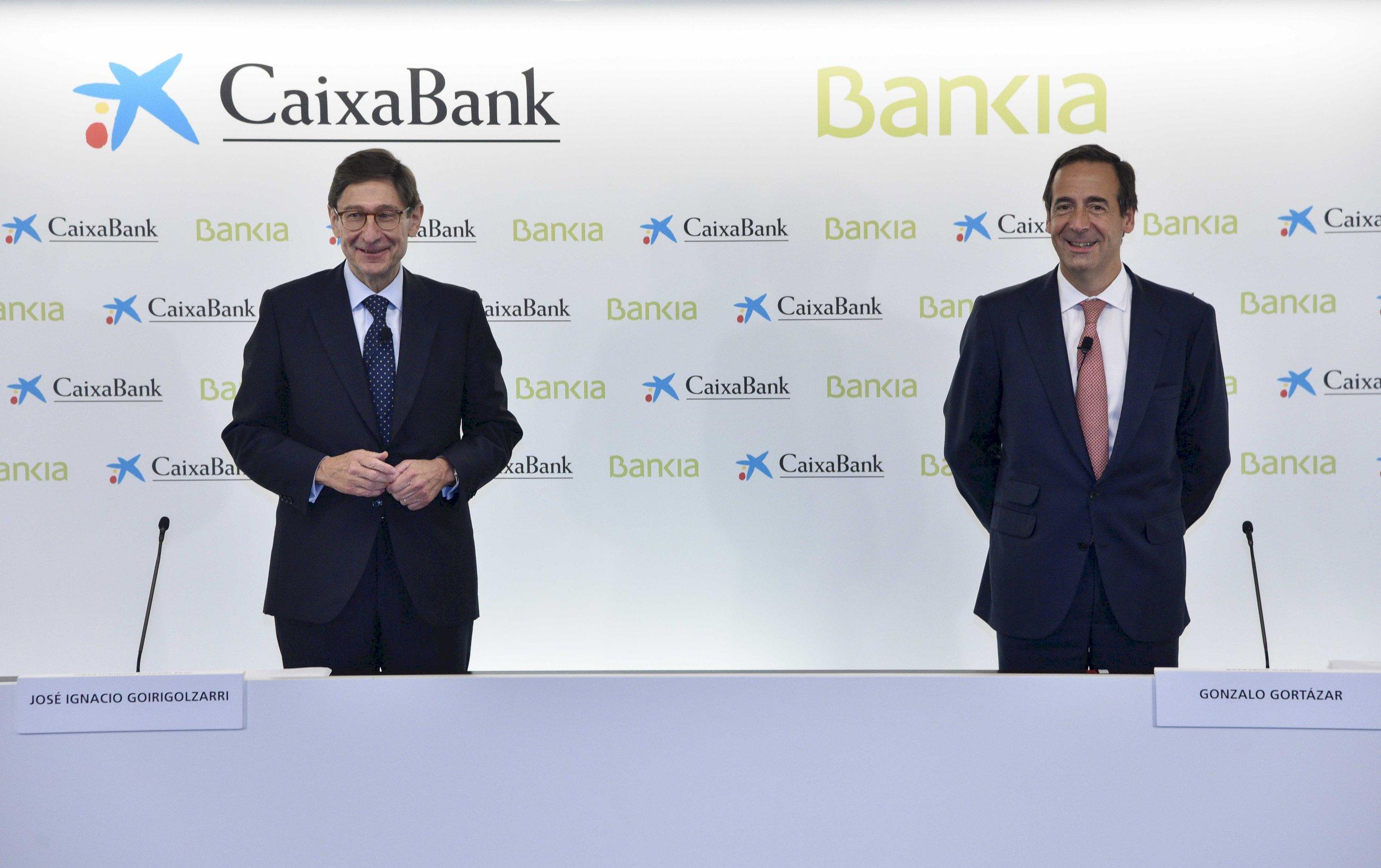 Caixabank subirá 2.000 euros los sueldos en Bankia