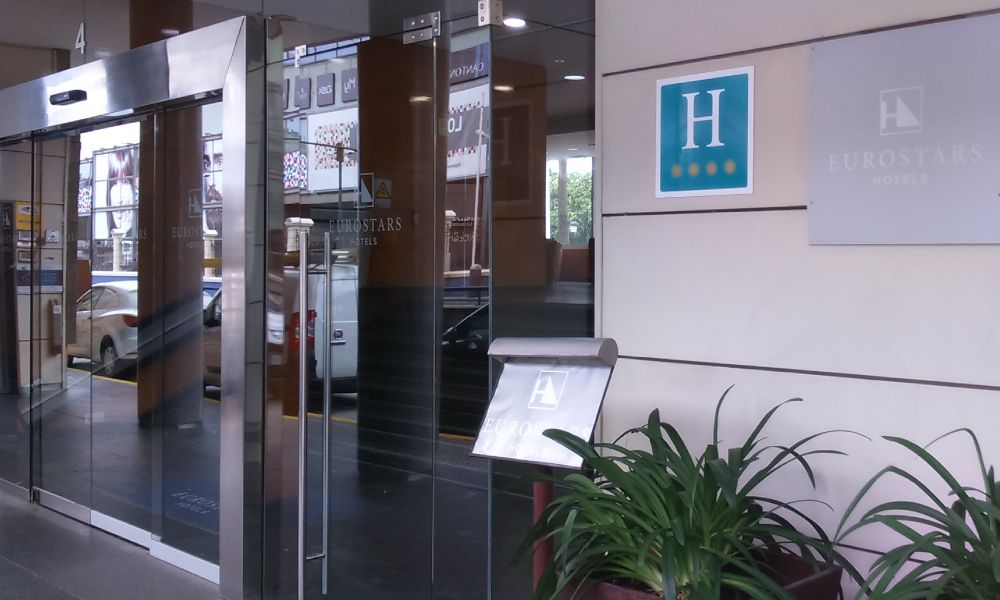 """La """"falta de liquidez"""" empuja al ERTE al Hotel Atlántico de A Coruña"""