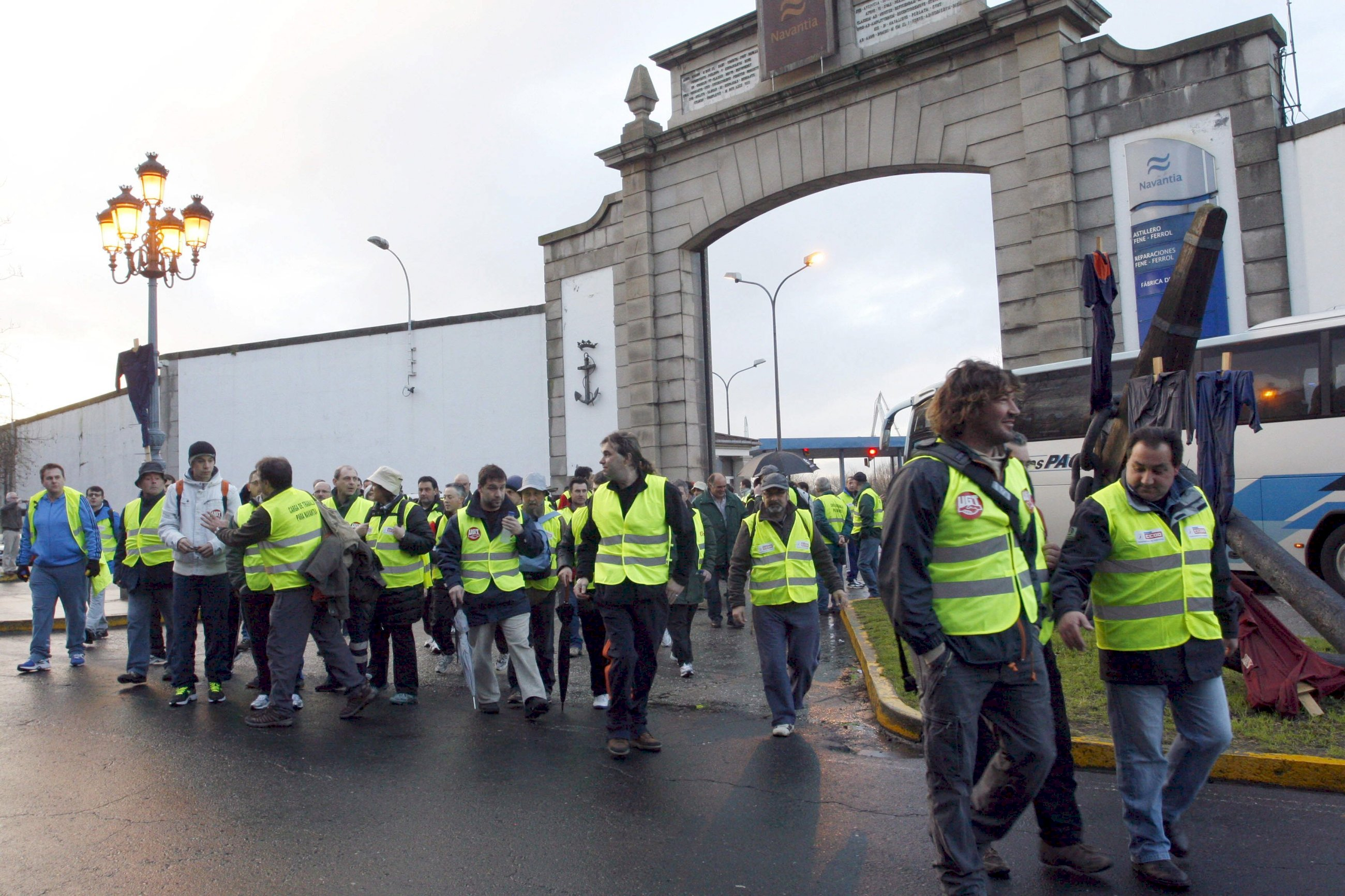 Las auxiliares del naval vuelven a la carga y amenazan con ir a la huelga