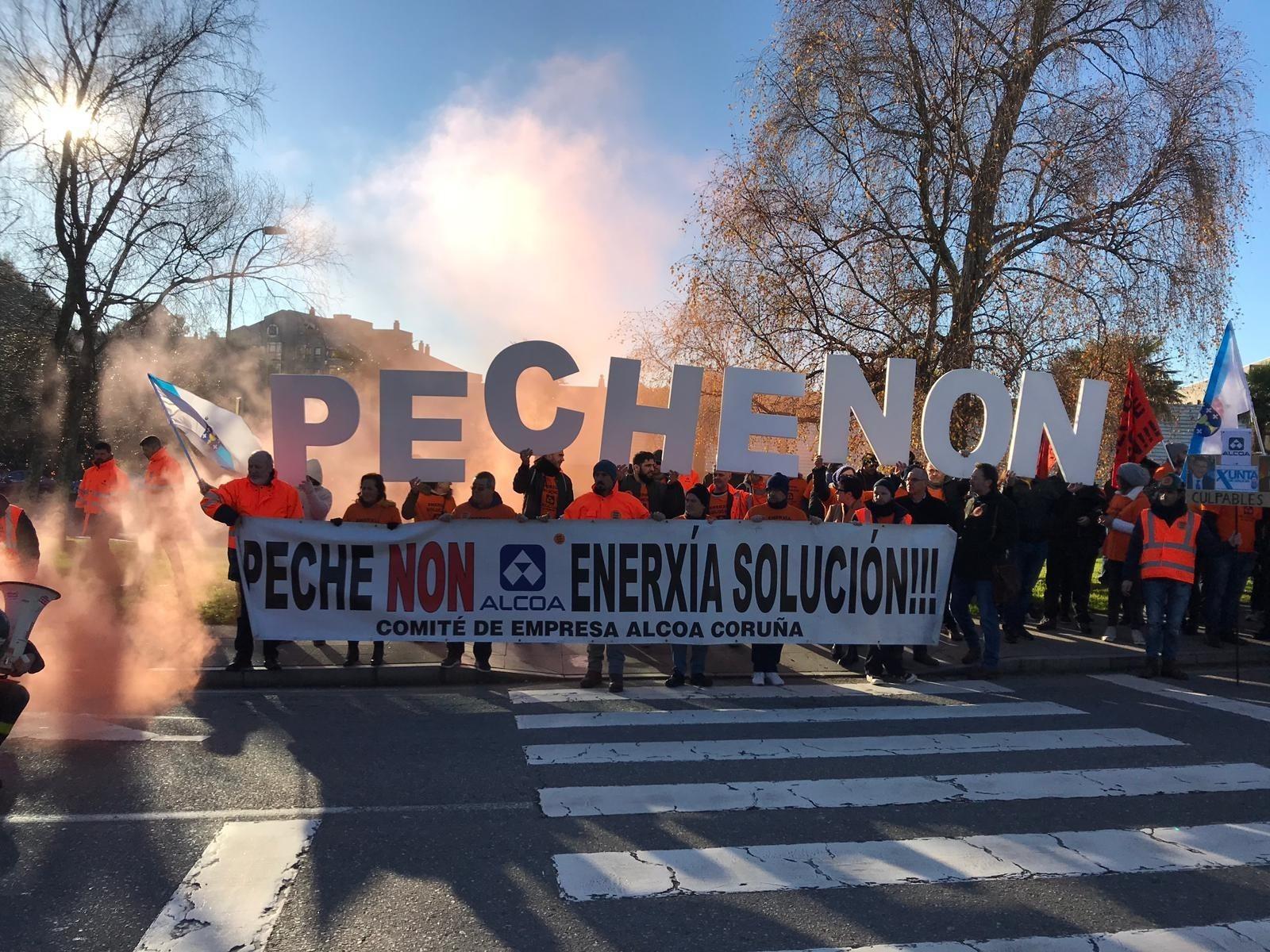 Los empleados de Alcoa se hartan: piden la intervención de la fábrica