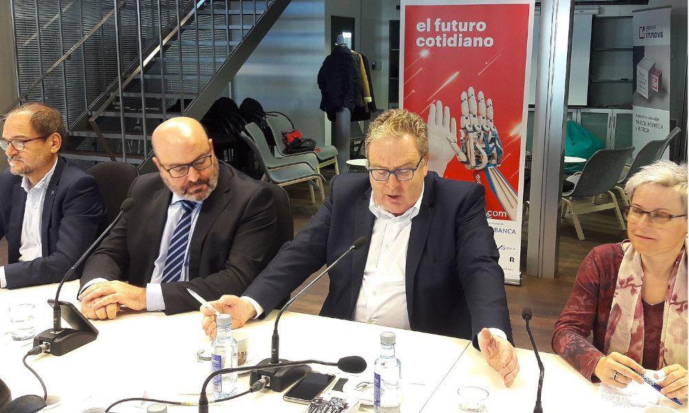 Abanca se compromete por cuatro años con Mobile Week Coruña