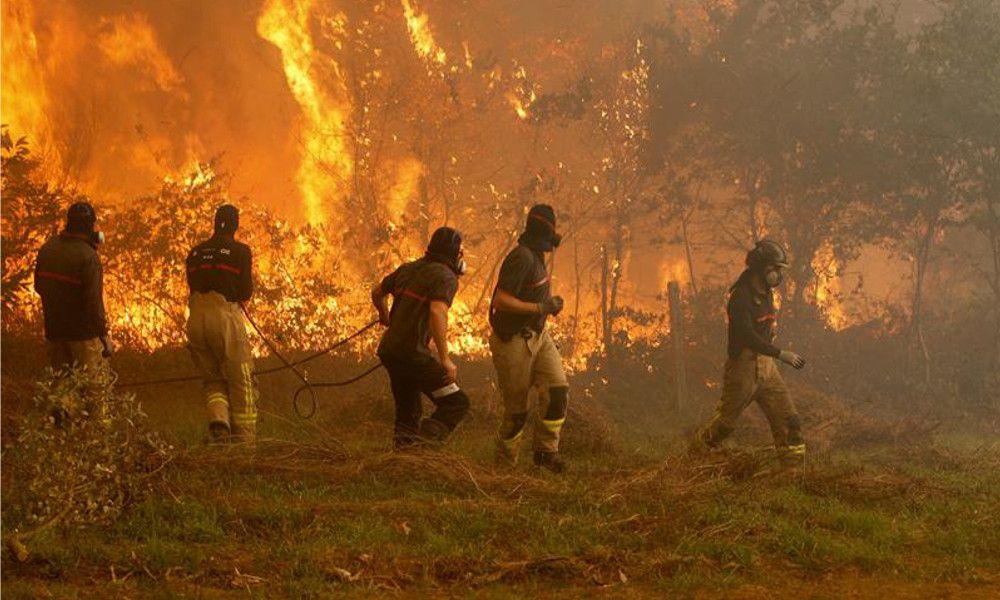 El Gobierno tarda un año en desbloquear las ayudas por los incendios de Galicia