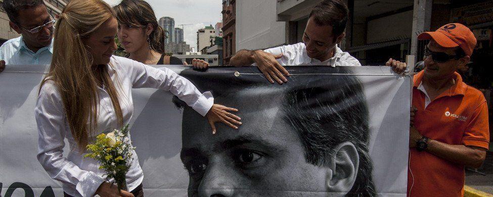 Venezuela condena a 13 años de cárcel al líder opositor Leopoldo López