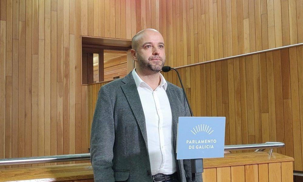 Luís Villares lleva al Parlamento las donaciones de Amancio Ortega