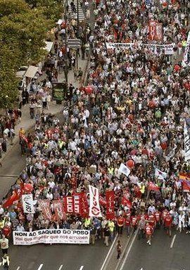 Miles de manifestantes secundan en A Coruña la marcha contra los recortes