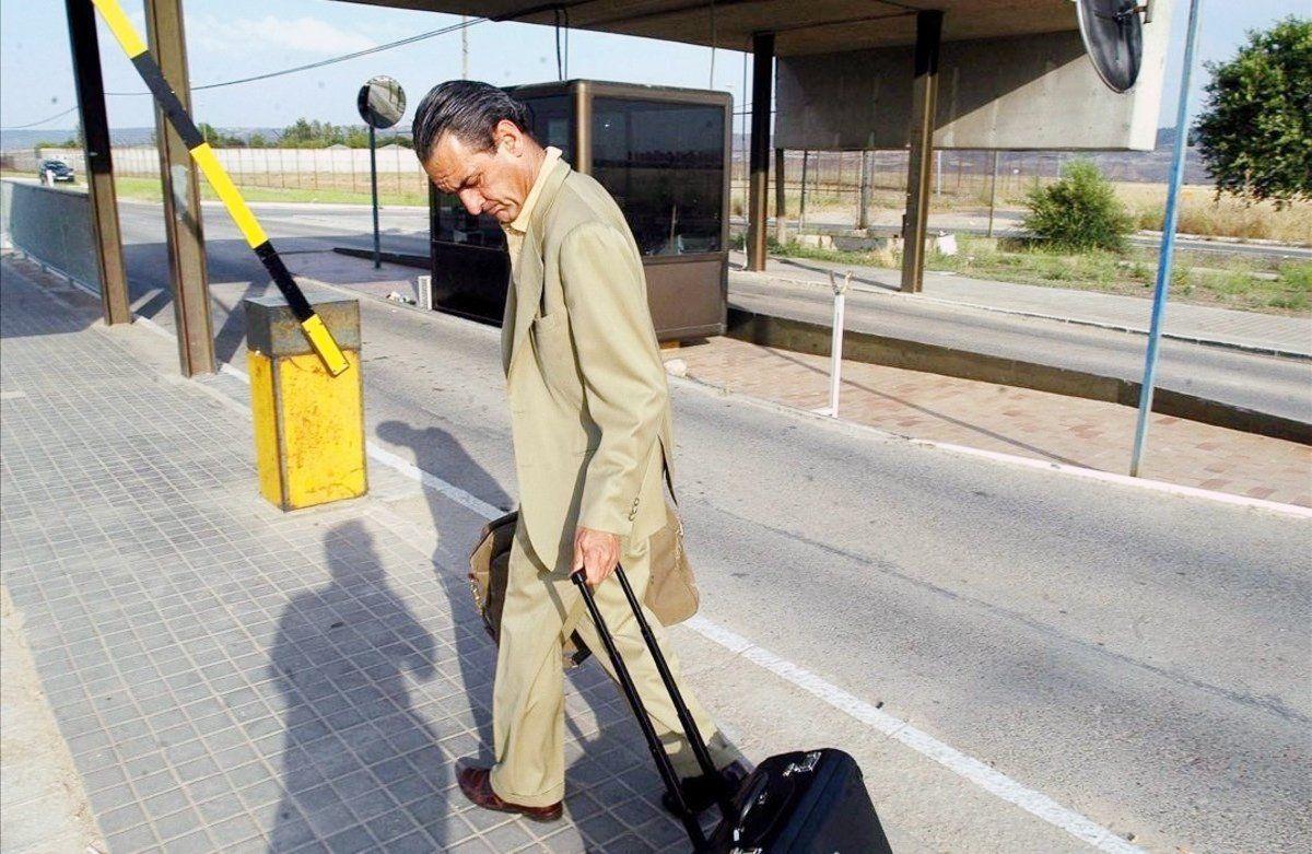 El emocionado adiós de Mario Conde a su pazo de Ourense