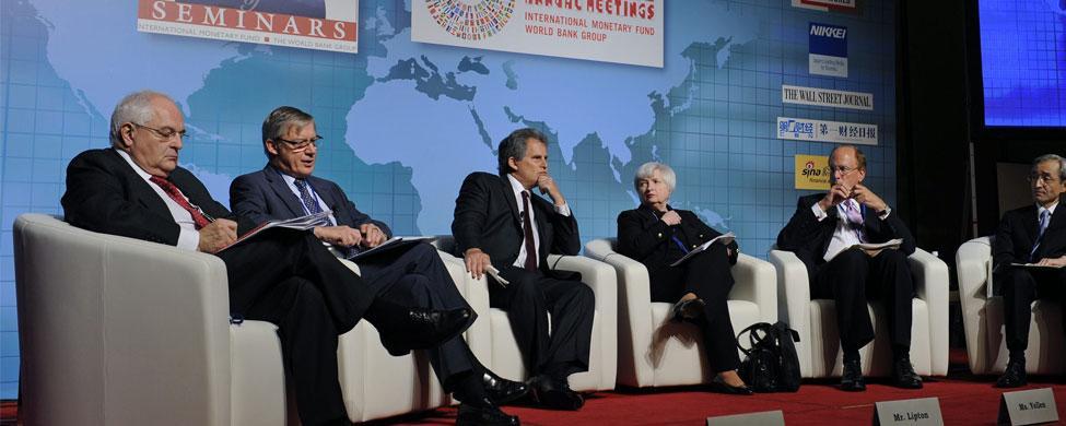 """Martin Wolf: """"La amenaza a la democracia es la creciente desigualdad"""""""
