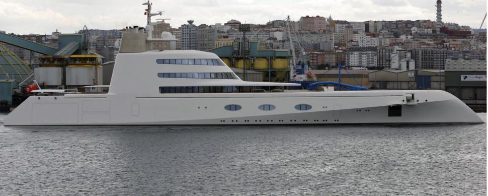 El megayate del multimillonario ruso Andrey Melnichenko atraca en A Coruña » Galicia