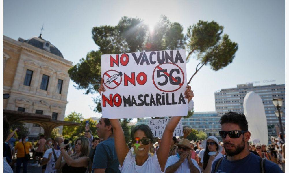 Manifestación contra el uso obligatorio de mascarillas en la plaza de Colón de Madrid. /Europa Press