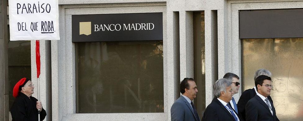 Los clientes de Banco Madrid retiraron 172 millones hasta el cierre del viernes