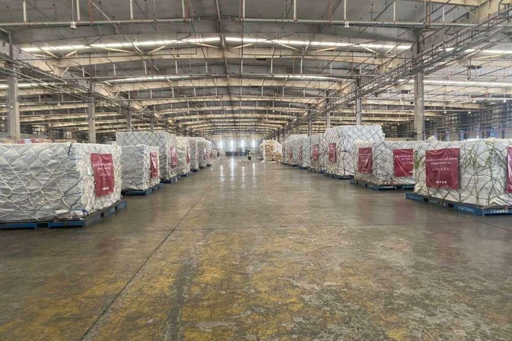 El material sanitario que donará Inditex, en camino desde China