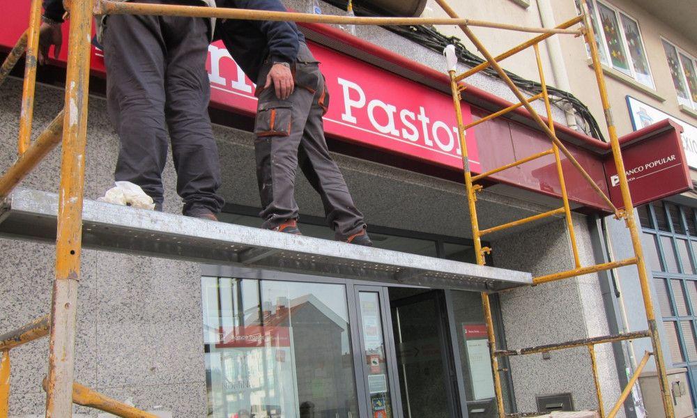 El último tijeretazo del Santander: cierra 211 oficinas