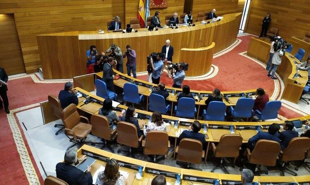 """La oposición ve a un Feijóo """"agotado"""" que """"no seguirá en la Xunta"""""""