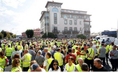Los trabajadores de Endesa en As Pontes durante una protesta semanas atrás