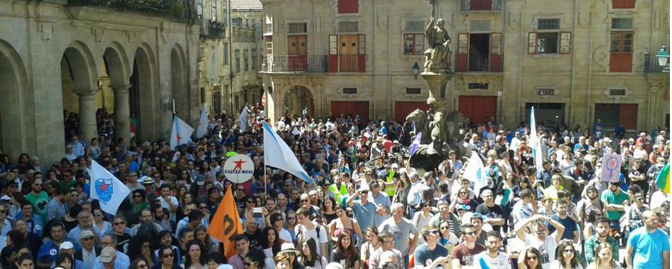 Galicia celebra su lengua y exige futuro en gallego