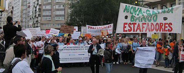 Afectados por las preferentes de A Coruña y Vigo presentan una denuncia ante el Parlamento europeo