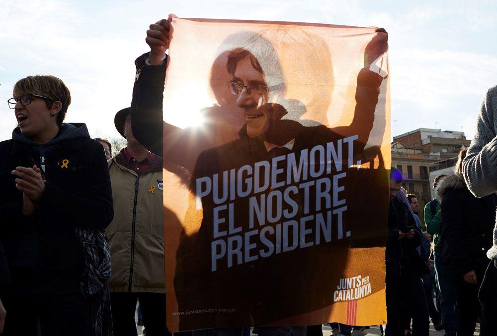 Puigdemont involucra a Montoro y Rajoy en su defensa