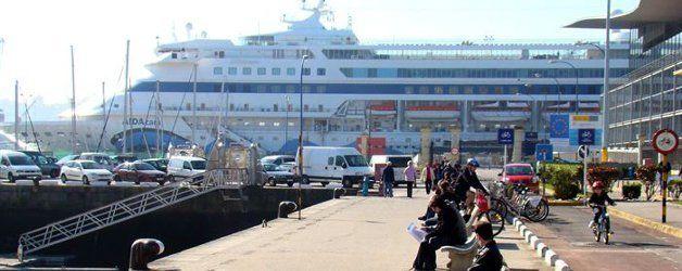 El Puerto de A Coruña incrementa un 12,5% el tráfico de mercancías en el primer semestre