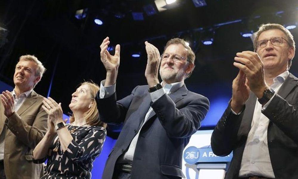 Rajoy reaparece para apoyar a Ana Pastor en Pontevedra