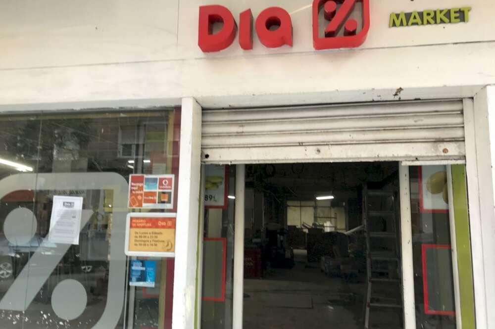 DIA cierra 24 tiendas en Galicia este mes al no encontrar comprador