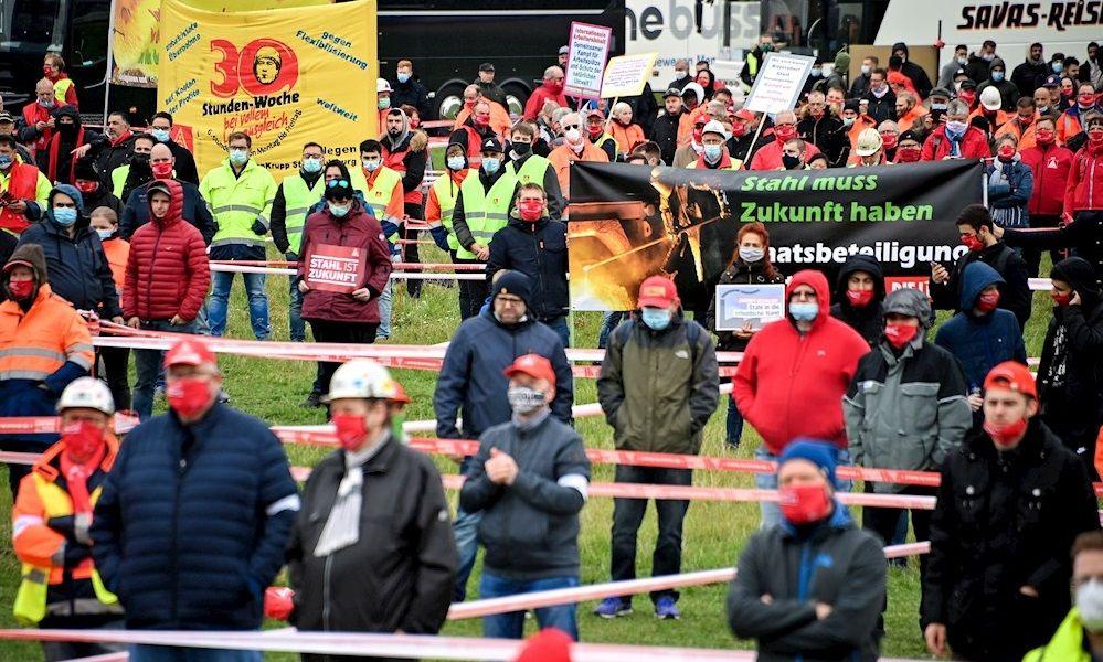 Protesta de trabajadores de ThyssenKrupp, que solicitan la intervención del Estado. EFE.