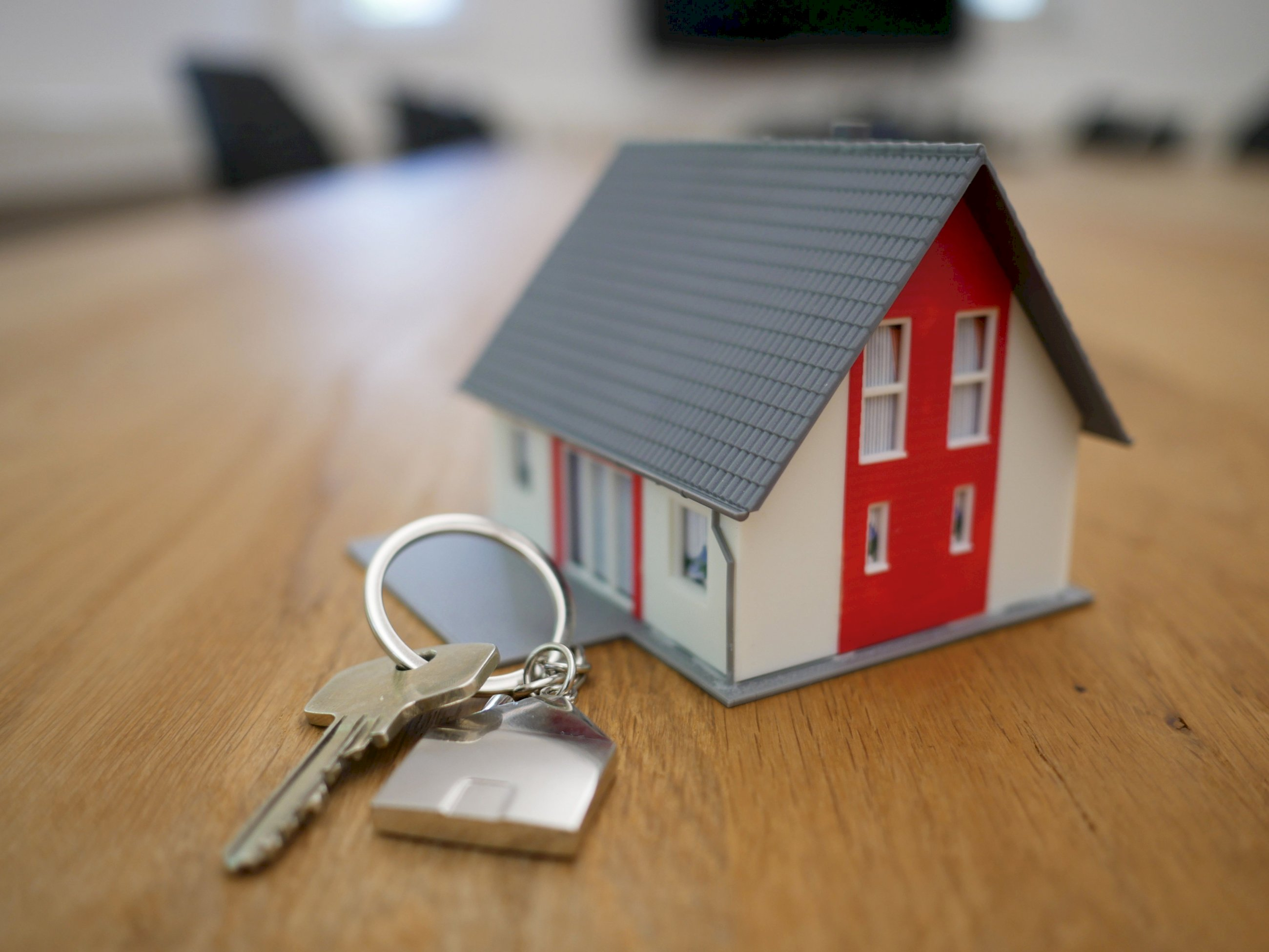 Santander, BBVA y Caixabank sufren los efectos de la Ley Hipotecaria