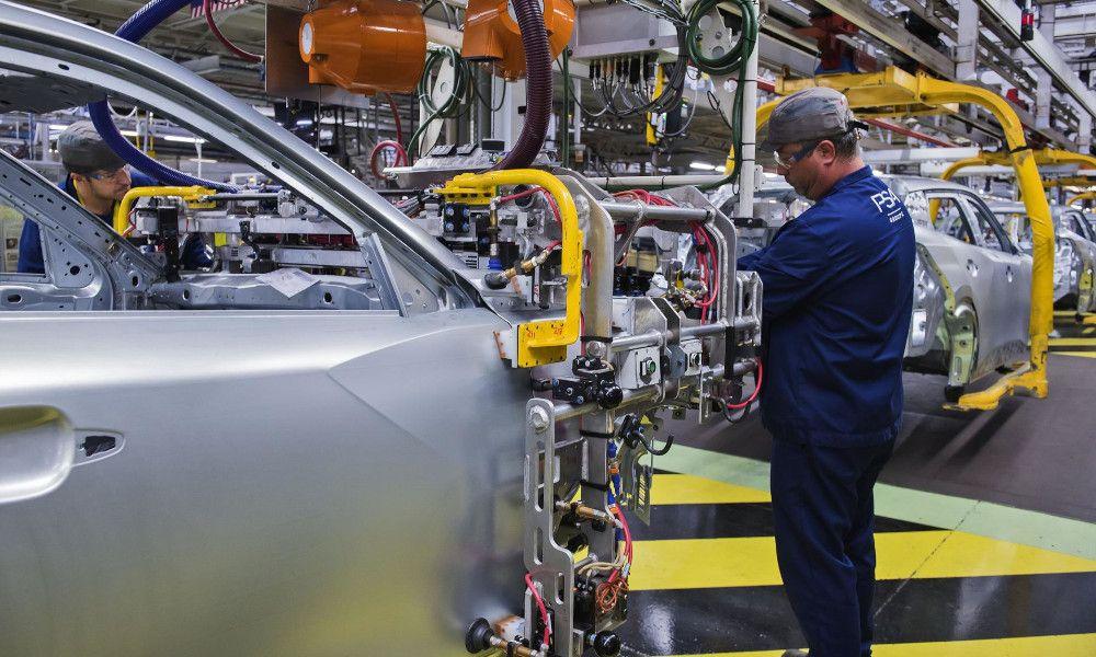 Malos augurios de PSA: habrá despidos en la automoción hasta 2030
