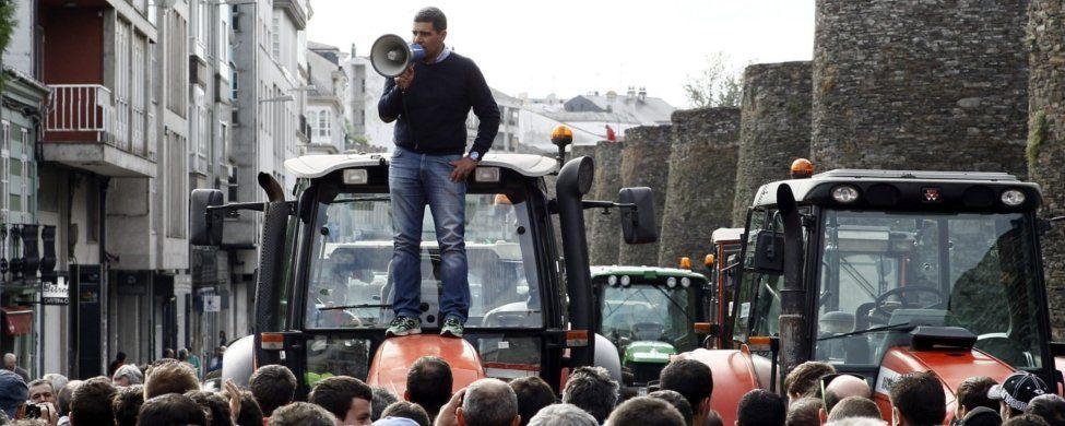 Los tractores no se moverán de la muralla