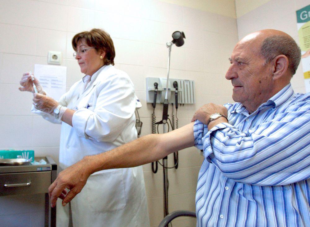 Científicos trabajan con una vacuna del coronavirus para septiembre