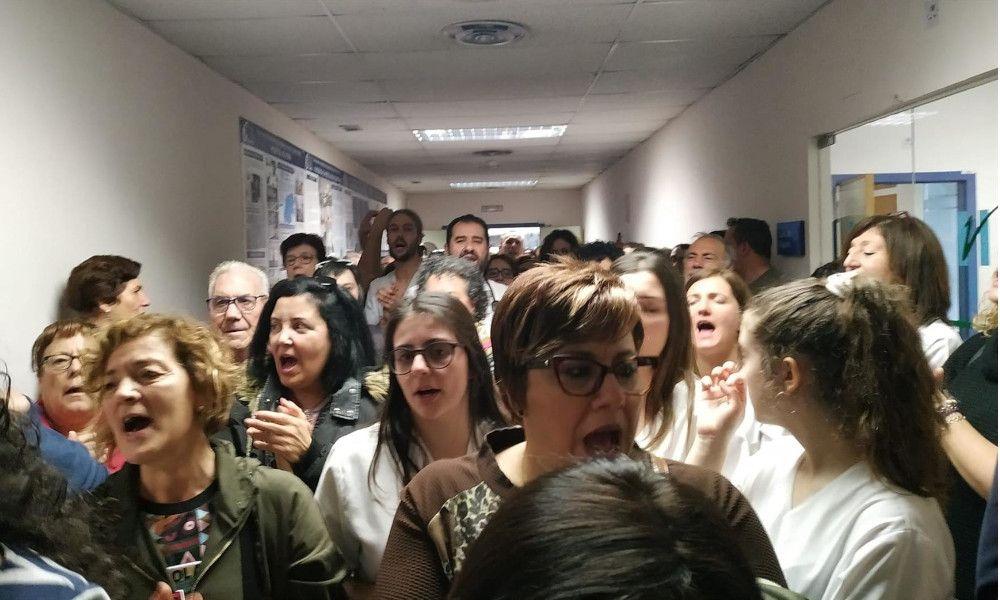 Encierro en el Hospital de Verín contra el cierre del paritorio
