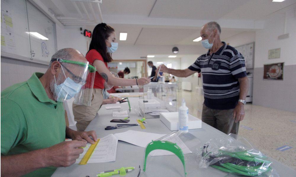 La participación en las elecciones gallegas se frena a niveles de 2016