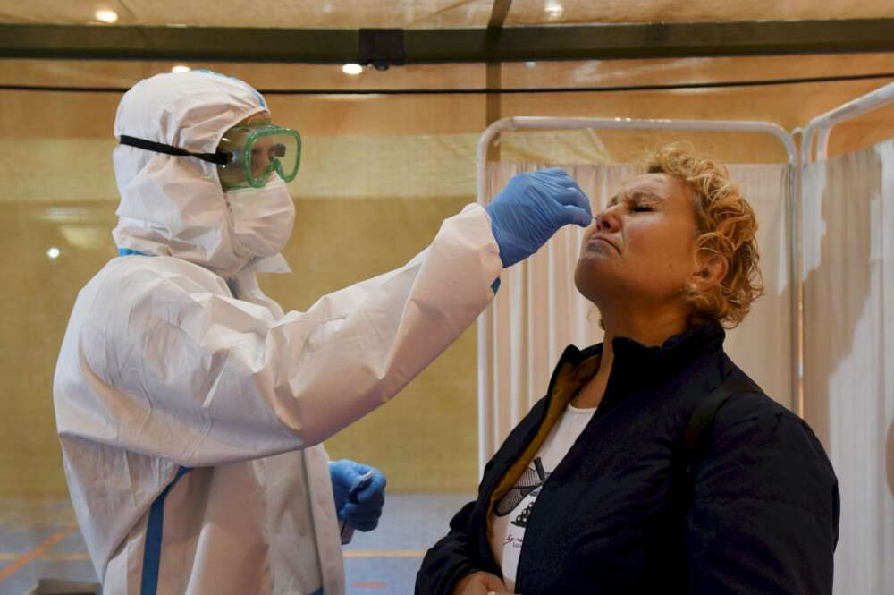 Covid: los contagios siguen al alza tras dispararse los casos en Vigo
