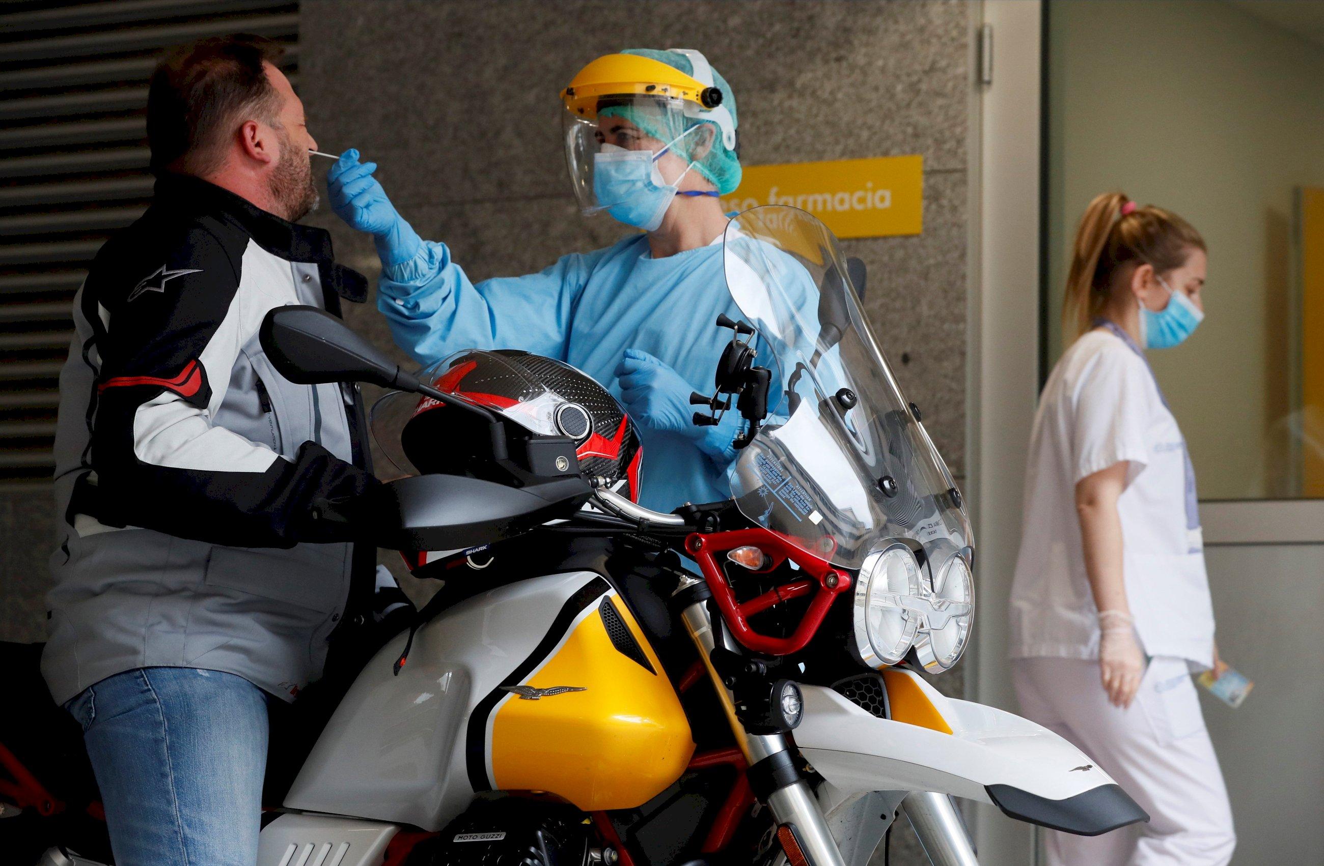 Galicia roza los 200 hospitalizados por Covid-19 tras dispararse los contagios