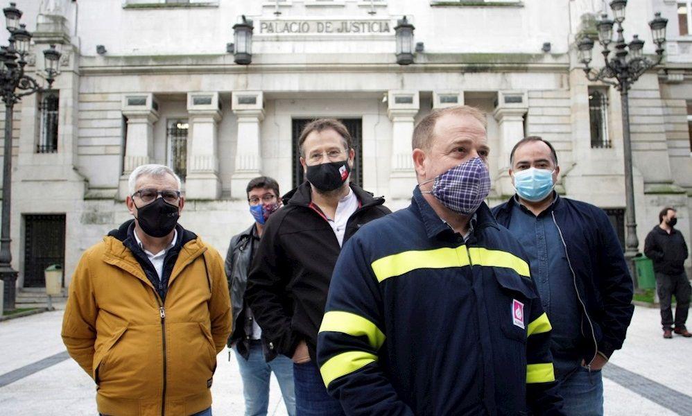 Alcoa: la plantilla exige que negocie la venta de la alúmina para detener la huelga