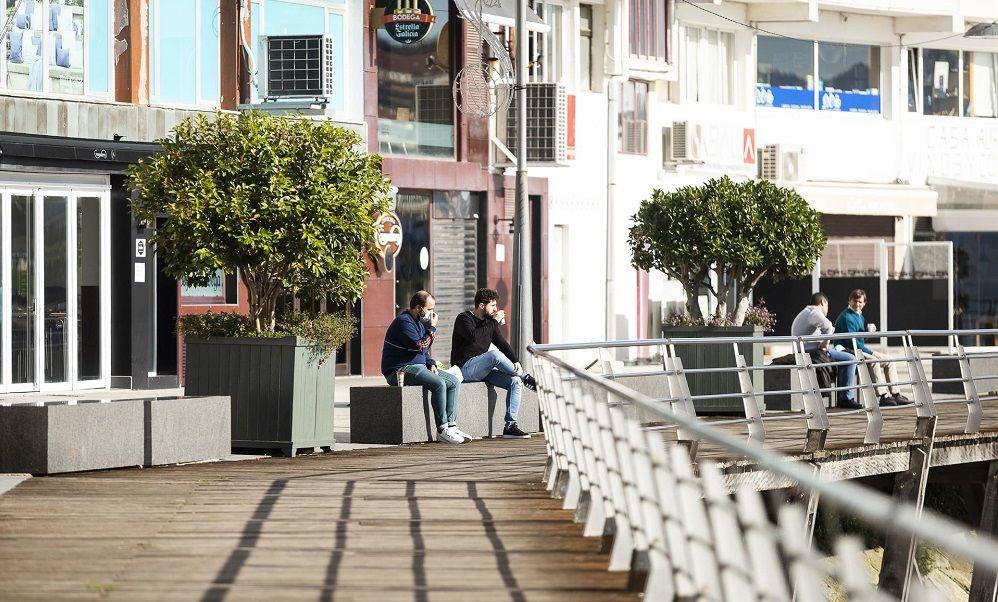 El Covid se estabiliza en Galicia, que estudia 'abrir' más concellos
