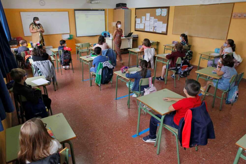 Covid-19: 52 aulas cerradas y más de 1.000 casos en escuelas gallegas