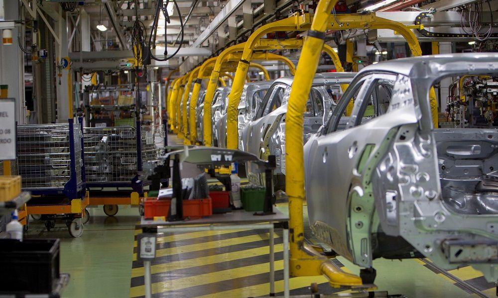 El textil (Inditex) y la automoción (PSA) amortiguan el batacazo económico del Covid